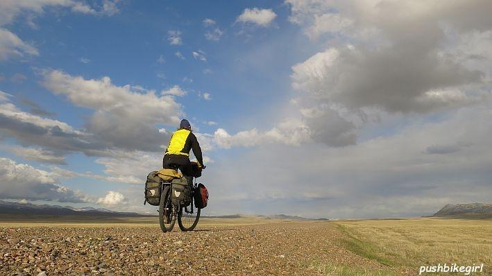 Pushbikegirl_Kirgistan 1