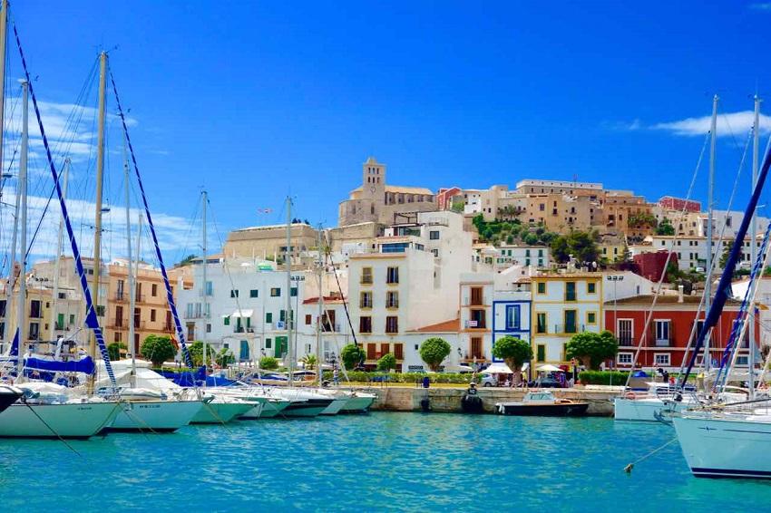 Ibiza Eivissa vom Wasser_Peterstravel