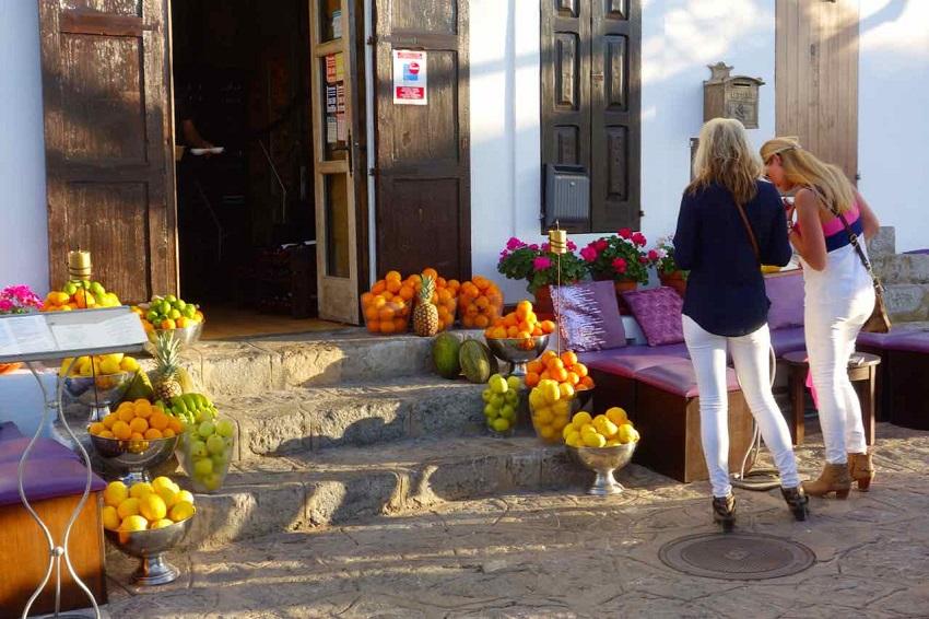 Ibiza Obst_Peterstravel
