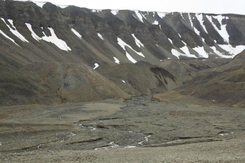 Svalbard Felsen_Family4Travel