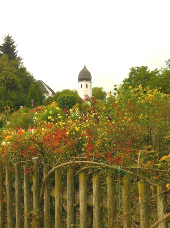 Chiemsee Fraueninsel Klostergarten