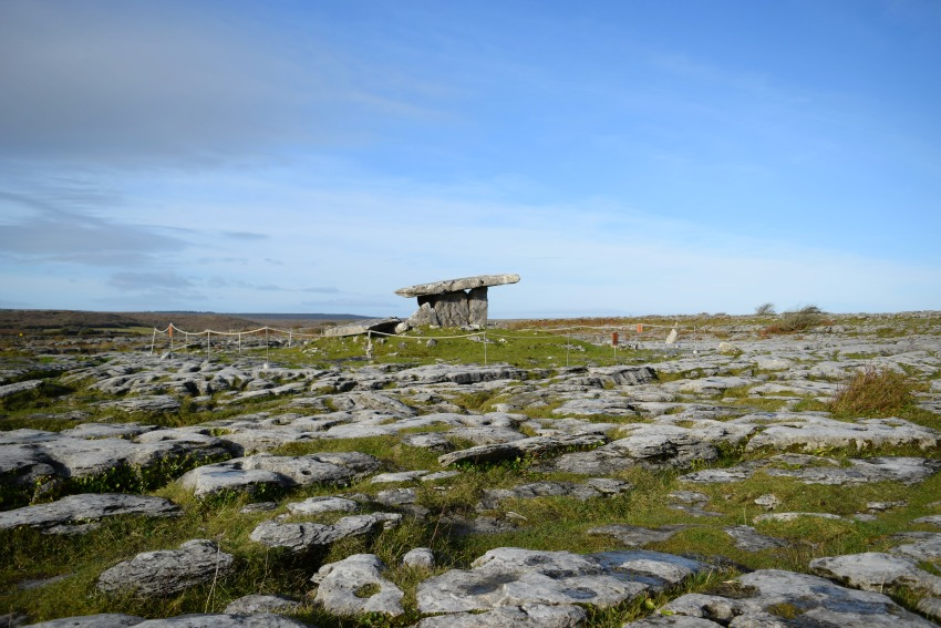 Irland Burren Grab