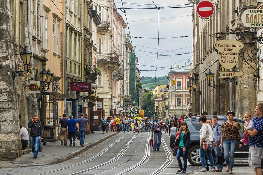 Lviv-Ukraine-Rynok-Platz
