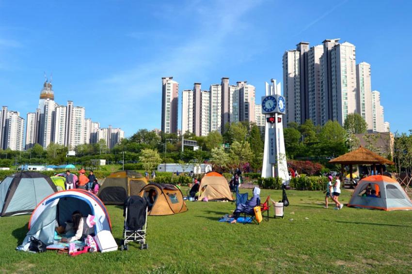 seoul-jamsil-hangang-park-camping Coconut Sports