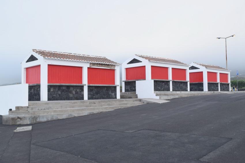 Azoren Unterwegs auf Terceira Biscoitos Häuser