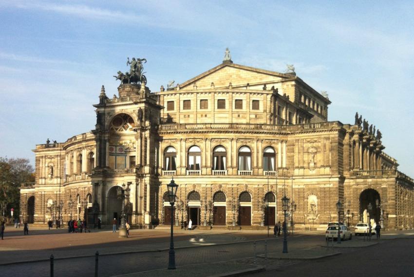 10 Tipps für Ausflüge zum Valentinstag Dresden Semperoper