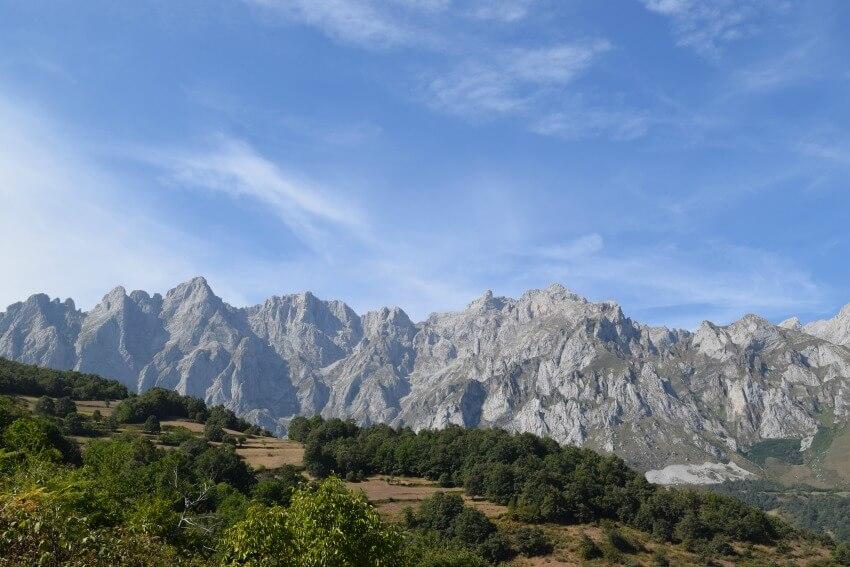 Picos de Europa - Blick auf Gebirgskette
