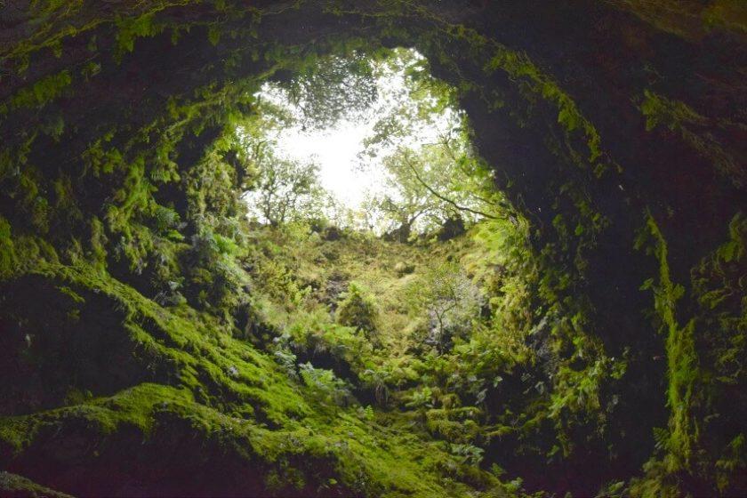Naturphänomen Algar do Carvao - Wie ich auf den Azoren in einen Vulkan hinabstieg
