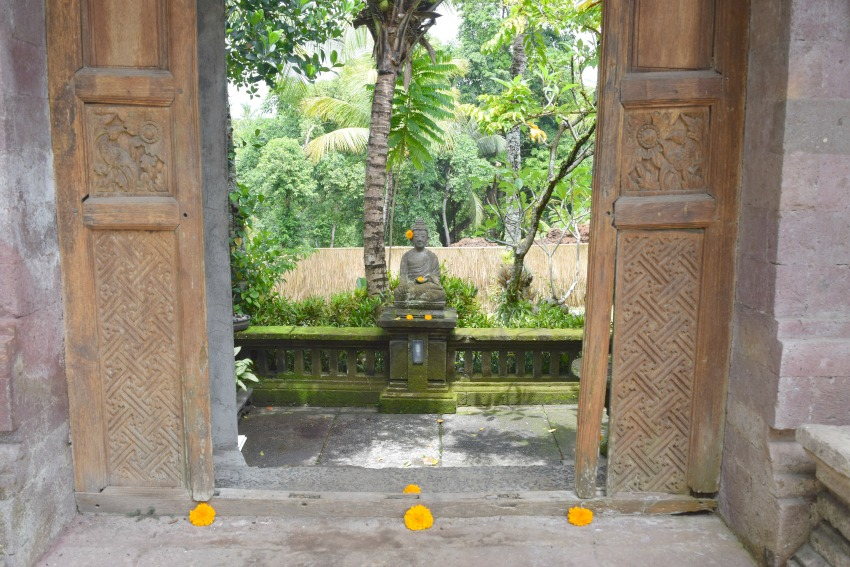 Ubud Highlights Bucu View Buddha Statue