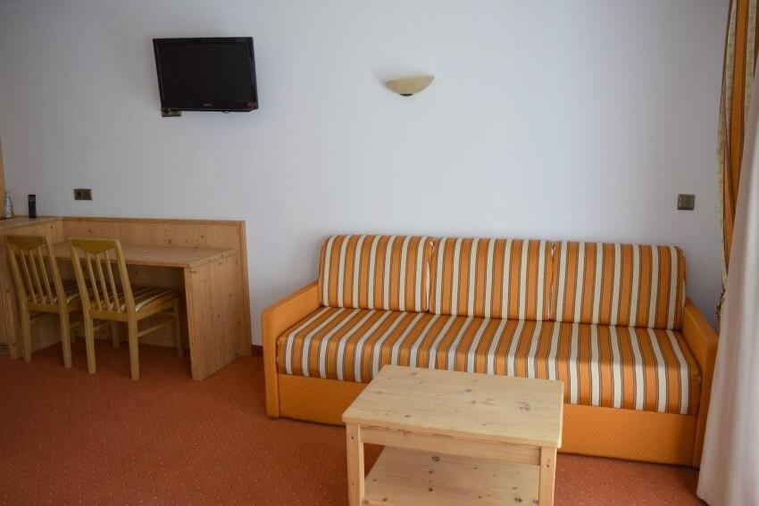 Hotel Schneeberg Family Resort Spa Zimmer Sitzecke