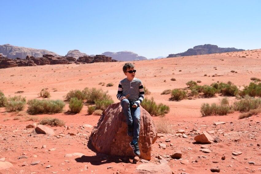 Impressionen von der Wüste Wadi Rum Posen am Canyon