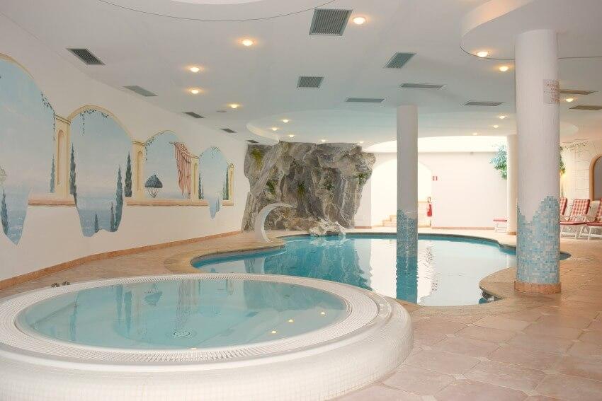 Hotel Almina im Jaufental Pool Saunabereich