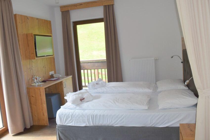 Hotel Almina im Jaufental Schlafzimmer
