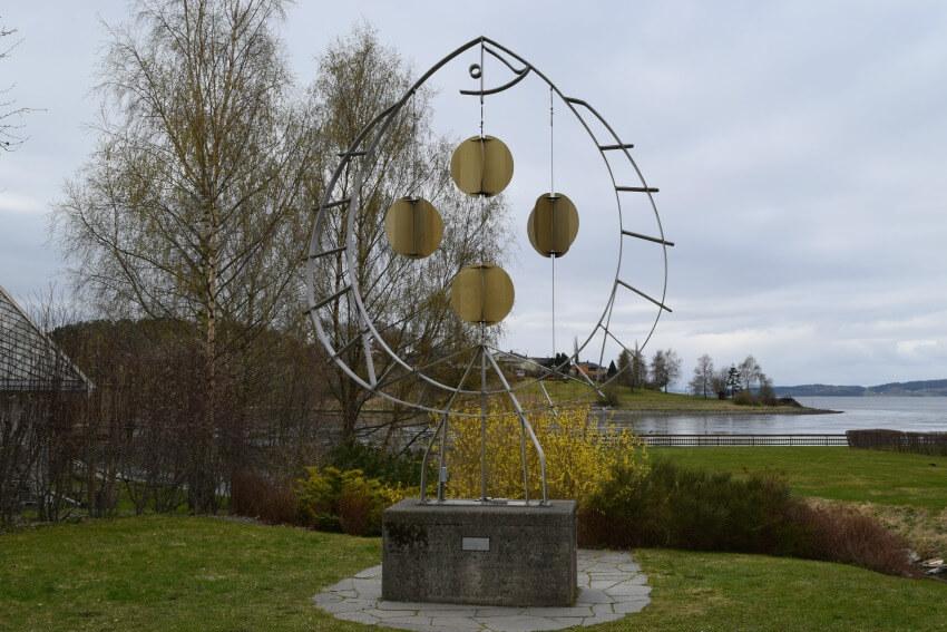 Der Goldene Umweg in Norwegen Nils Aas Galerie Skulptur