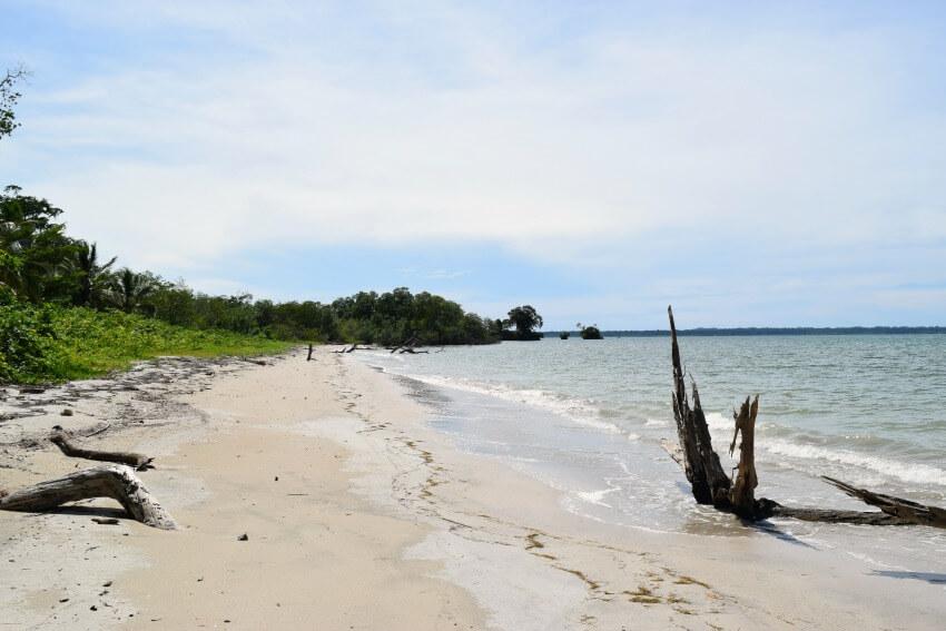 Isla Popa - Strand