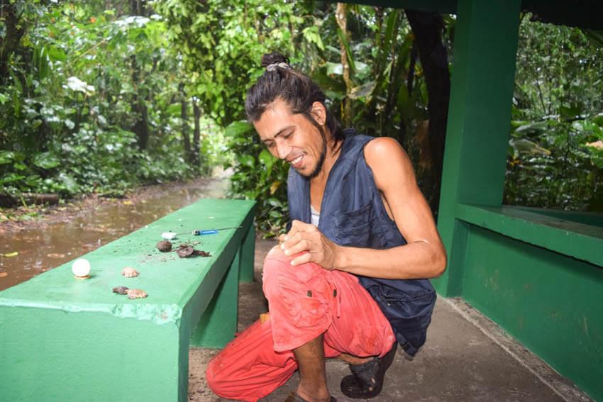 Tortuguero Nationalpark in Costa Rica Schildkrötenschnitzer