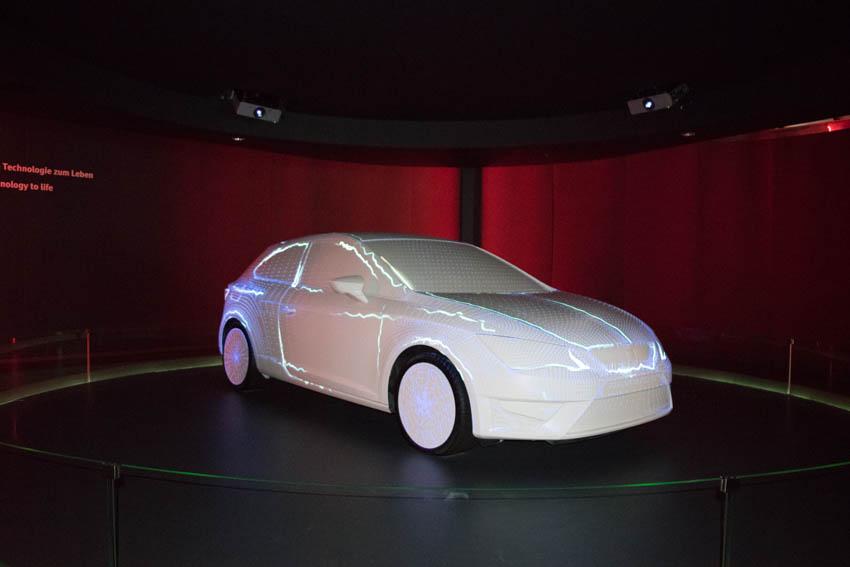 Autostadt Wolfsburg mit Familie - Laser
