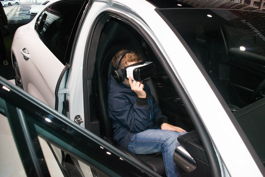 Autostadt Wolfsburg mit Familie - Virtual Reality im Porsche