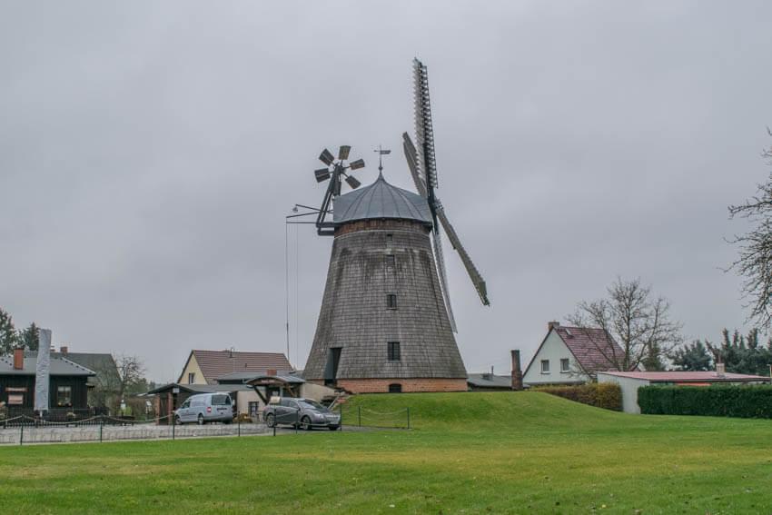 Spreewald im Winter und Herbst Holländerwindmühle