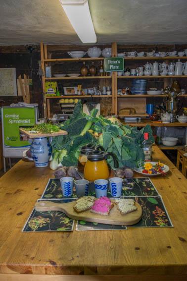 Spreewälder Kräutermanufaktur Küchentisch