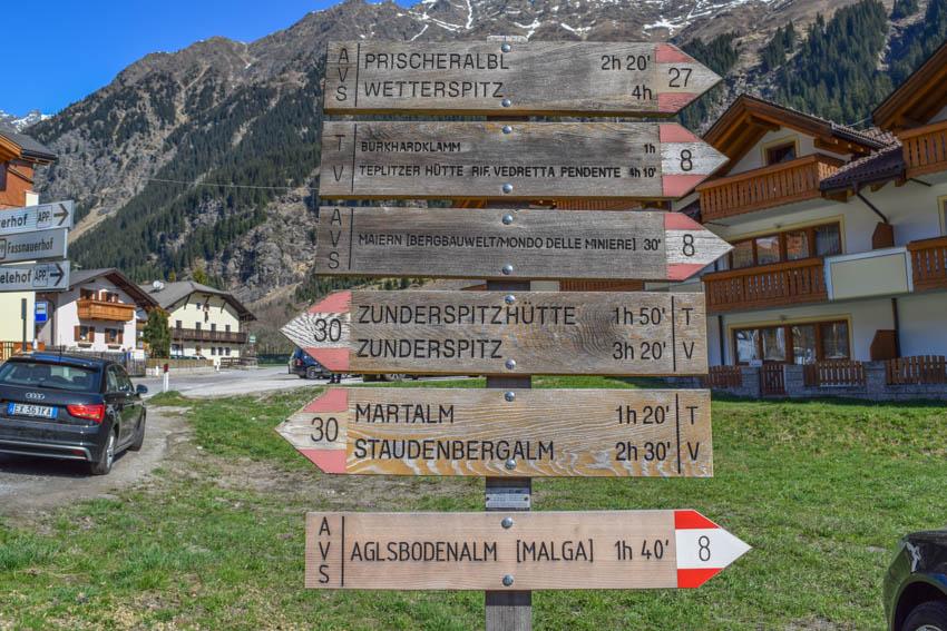 Wanderung zur Martalm in Ridnaun Schild