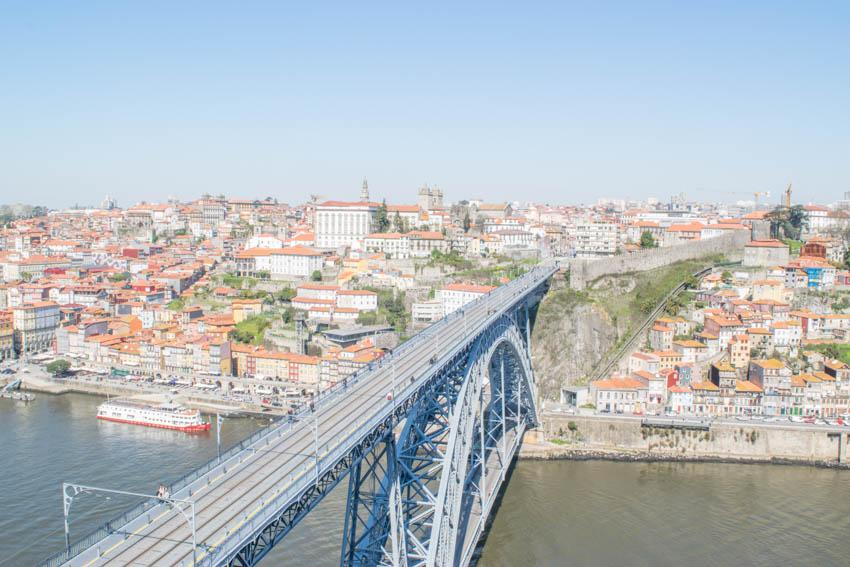 Porto Brücke Dom Luis I vom Aussichtspunkt