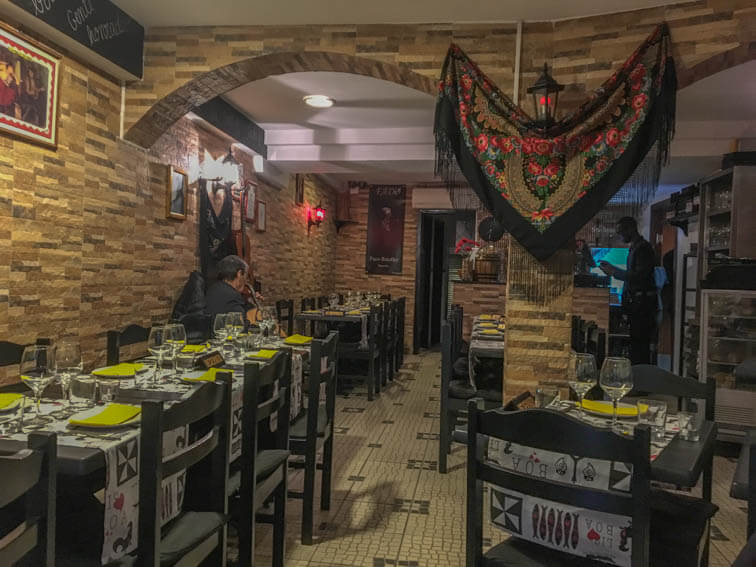 Esquina de Alfama Fado Restaurant