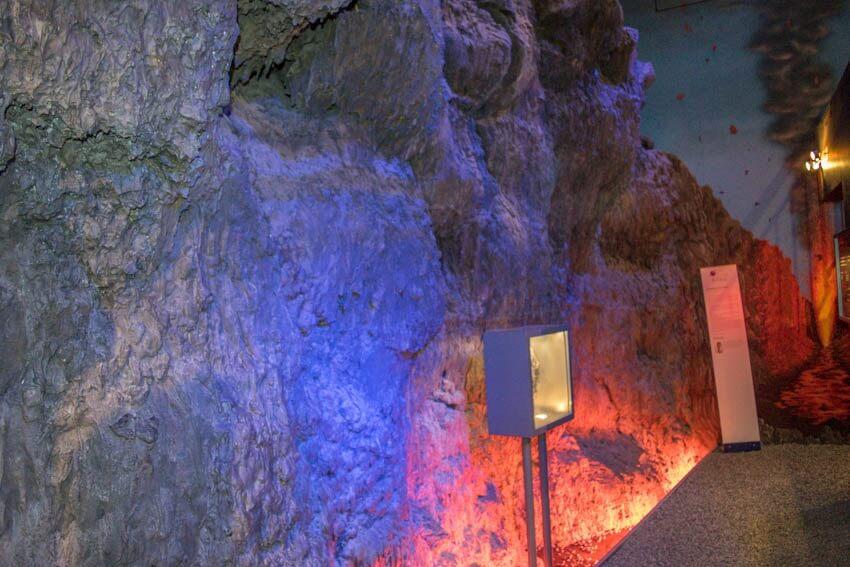 Vulkaneifel Lavawand Vulkan Haus Strohn