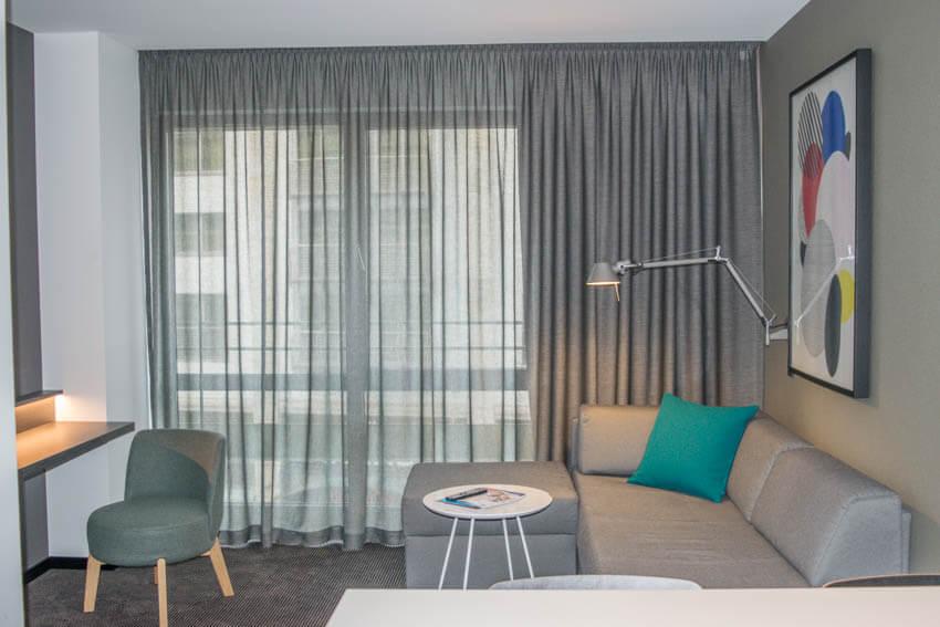 Adina Apartment Hotel Leipzig Wohnzimmer