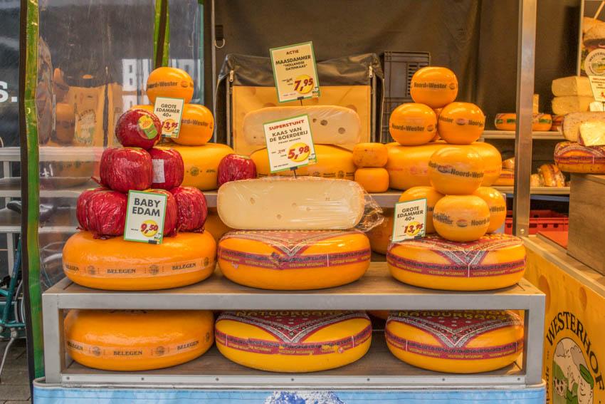 Wochenmarkt in Enschede Käse